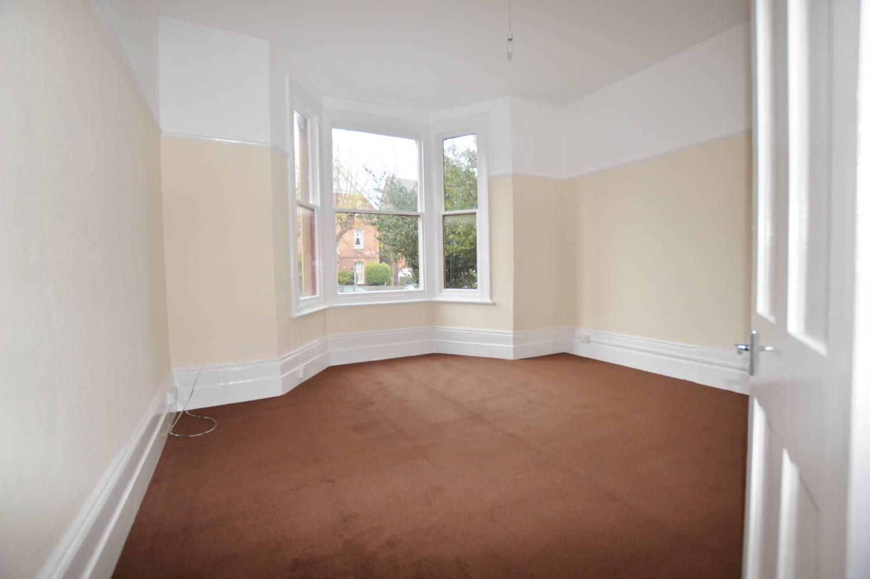 1 Bedroom Flat, Hermon Hill, Wasntead, E11 2AR