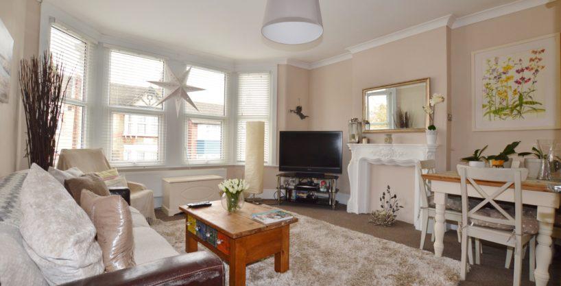 2 Bedroom First Floor Flat, Castleton Road, E17 4AR