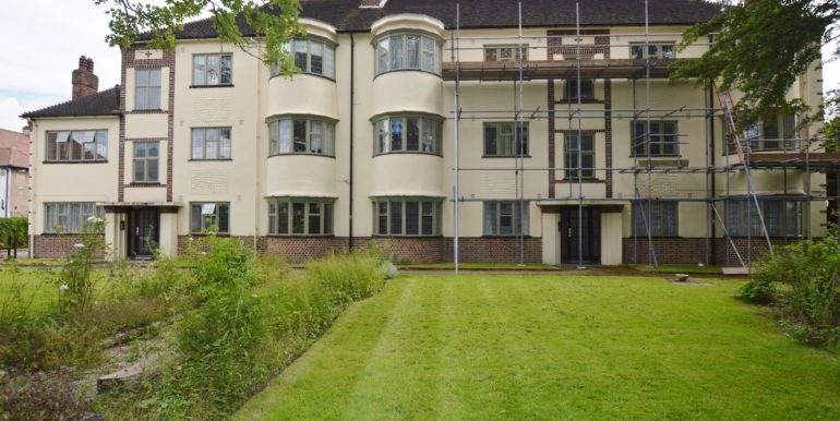 3 Bedroom Flat, Snaresbrook Hall, South Woodford, E18 2EJ   South Woodford