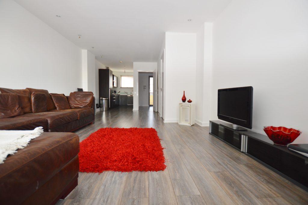 2 Bedroom Duplex Apartment Wick Lane Bow E3 2jj Abidins